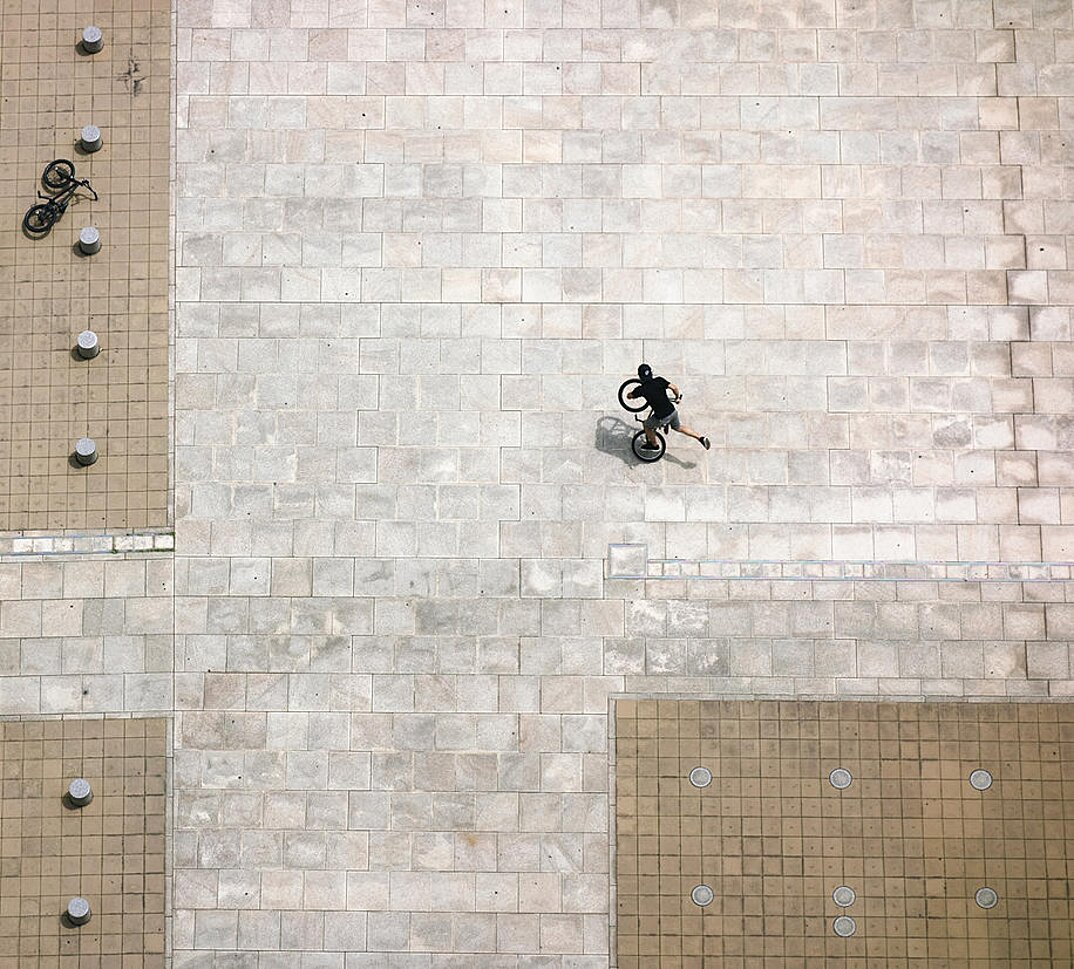 fotografia-illusione-ottica-prospettiva-point-of-view-yusuke-sakai-10