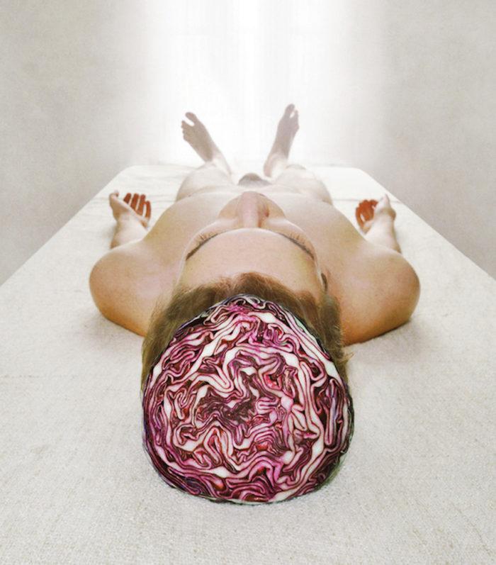 fotografia-surreale-autoritratti-frutta-verdura-marwane-pallas-2