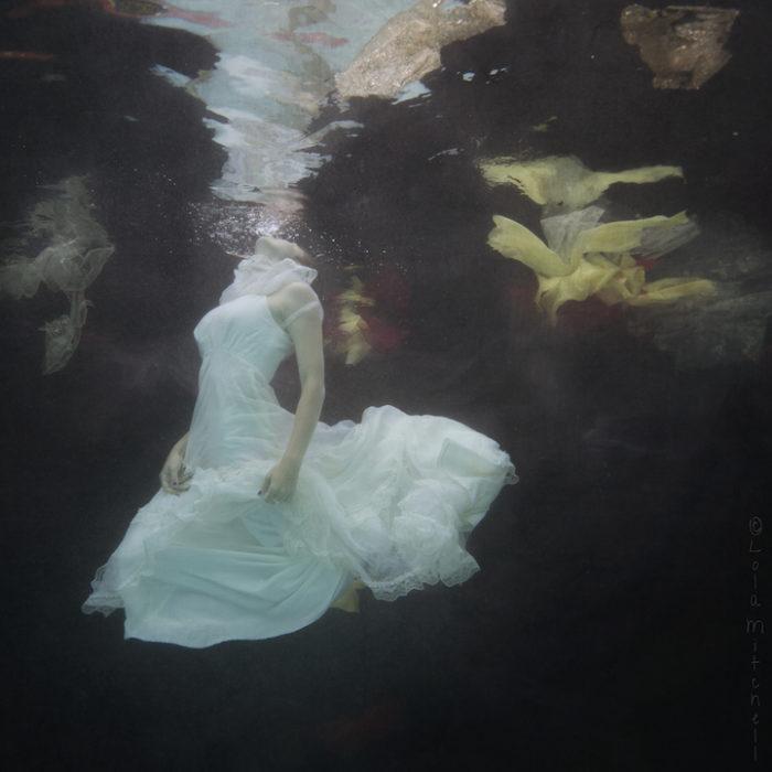fotografia-surreale-donne-acqua-lola-mitchell-05