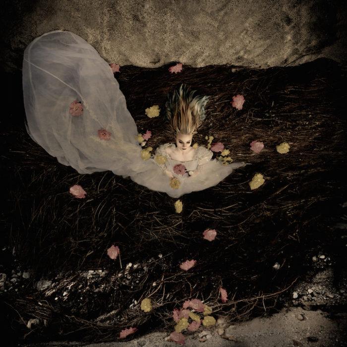 fotografia-surreale-donne-acqua-lola-mitchell-06