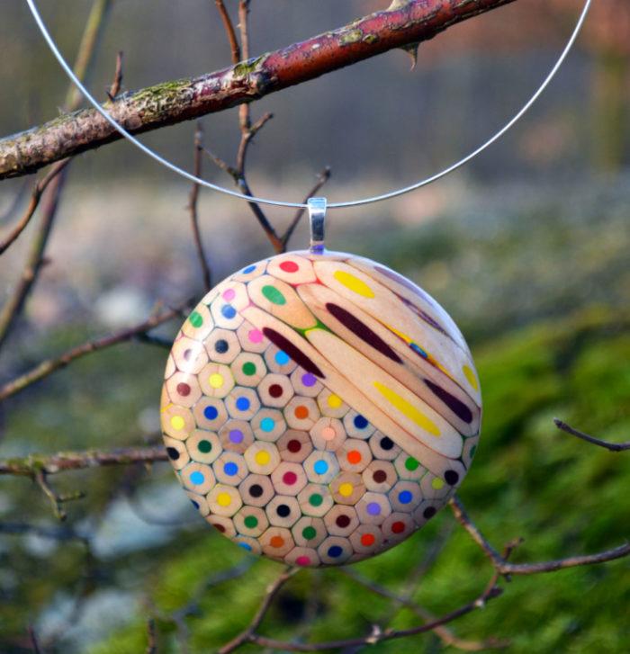 gioielli-matite-colorate-tagliate-carbickova-08