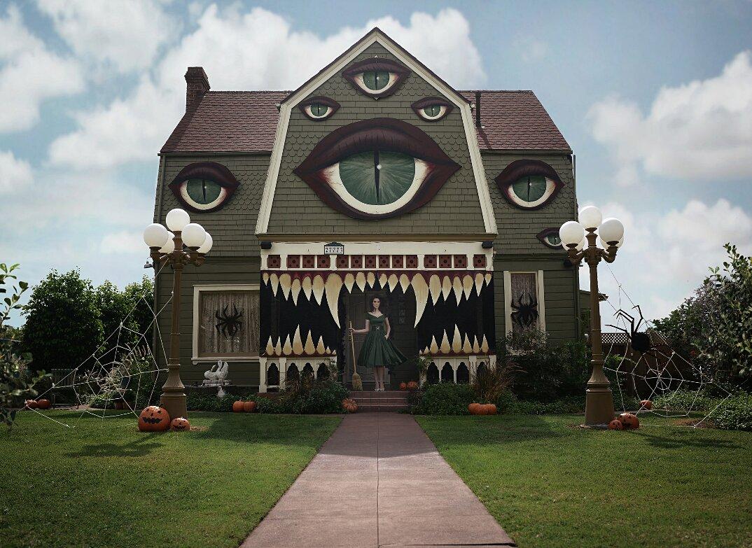halloween-trasforma-casa-mostri-christine-mcConnell-3