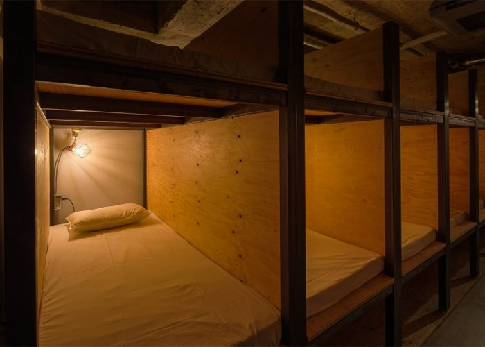 hotel-a-tema-libri-tokyo-ostello-book-and-bed-hostel-07
