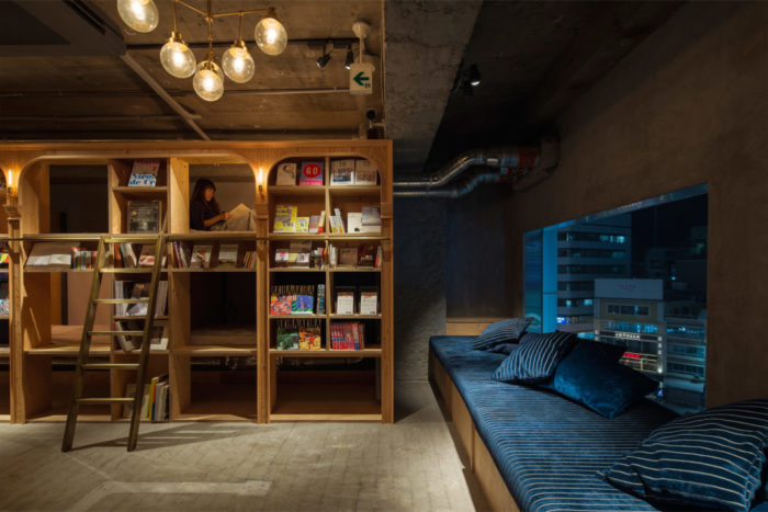 hotel-a-tema-libri-tokyo-ostello-book-and-bed-hostel-13