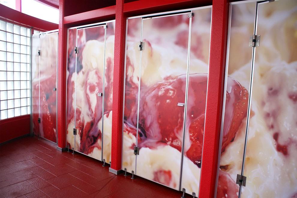 installazione-arte-gabinetto-pubblico-dessert-giappone-melting-dream-minako-nishiyama-oita-toilennale-4