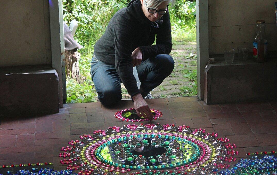 installazioni-decorazioni-colorate-illusione-ottica-suzan-drummen-01