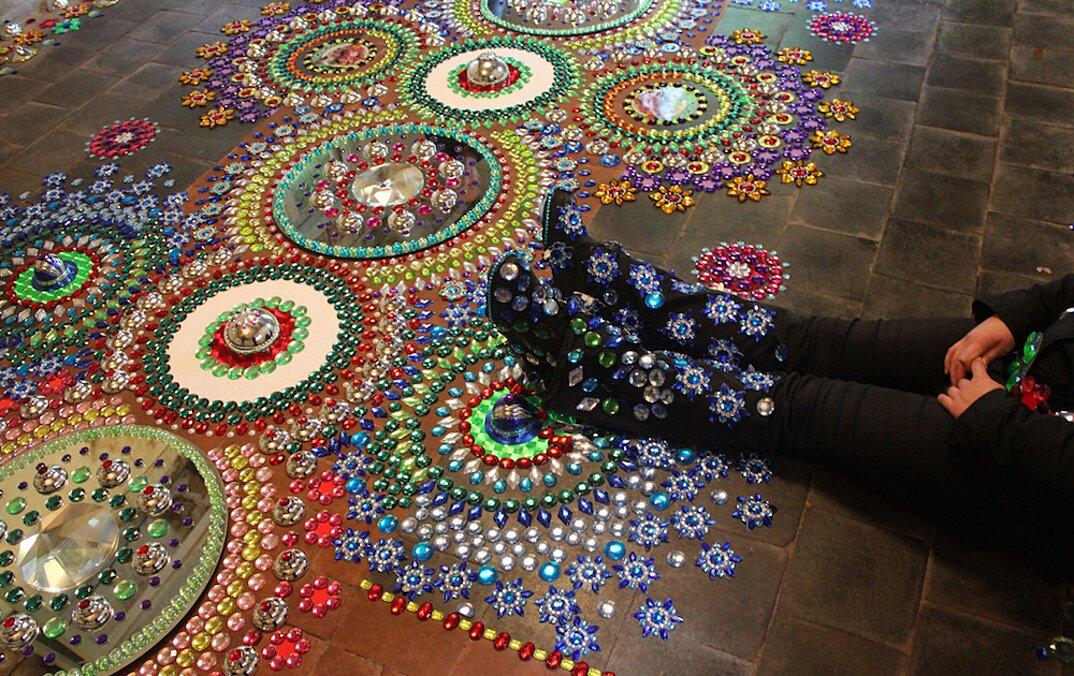 installazioni-decorazioni-colorate-illusione-ottica-suzan-drummen-04