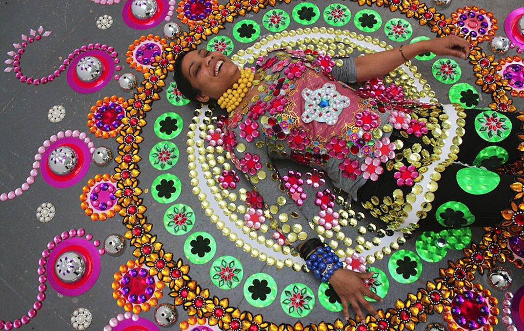installazioni-decorazioni-colorate-illusione-ottica-suzan-drummen-05