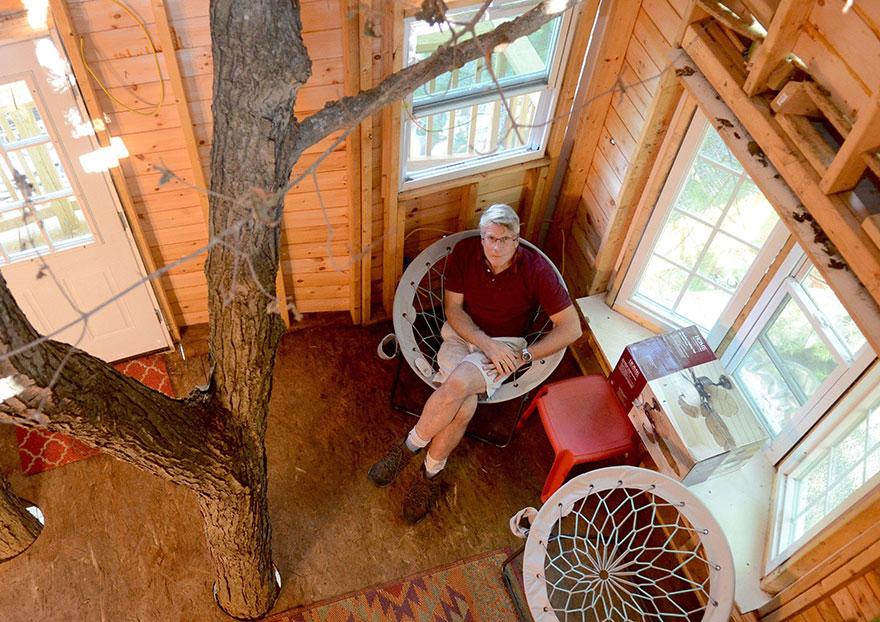 nonno-costruisce-casa-albero-3-piani-jay-hewitt-massachusetts-1