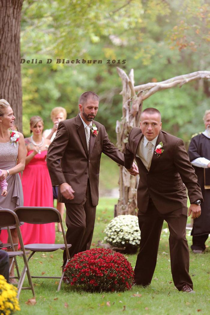 padre-patrigno-accompagnano-figlia-altare-matrimonio-brittany-peck-2