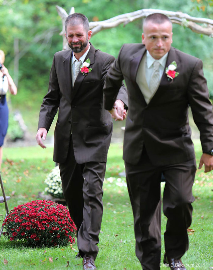 padre-patrigno-accompagnano-figlia-altare-matrimonio-brittany-peck-5