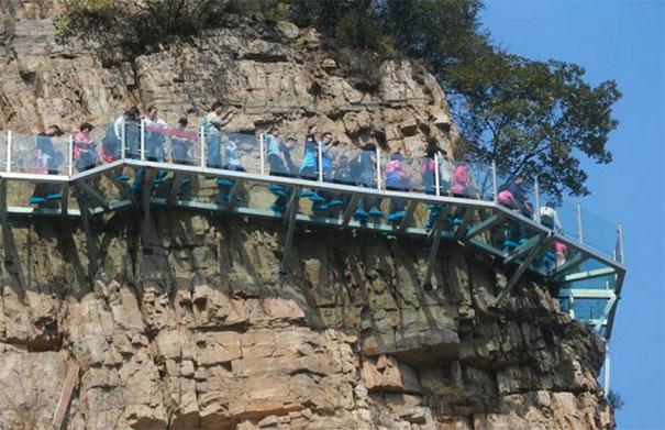 passerella-di-vetro-ponte-spaccato-monte-yuntai-henan-cina-3