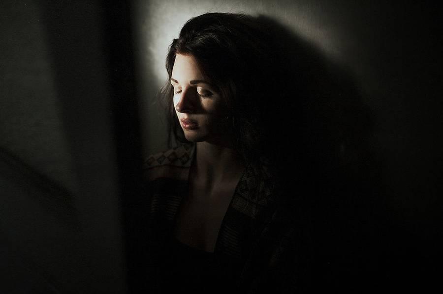 ritratti-fotografie-donne-eteree-ines-rehberger-05