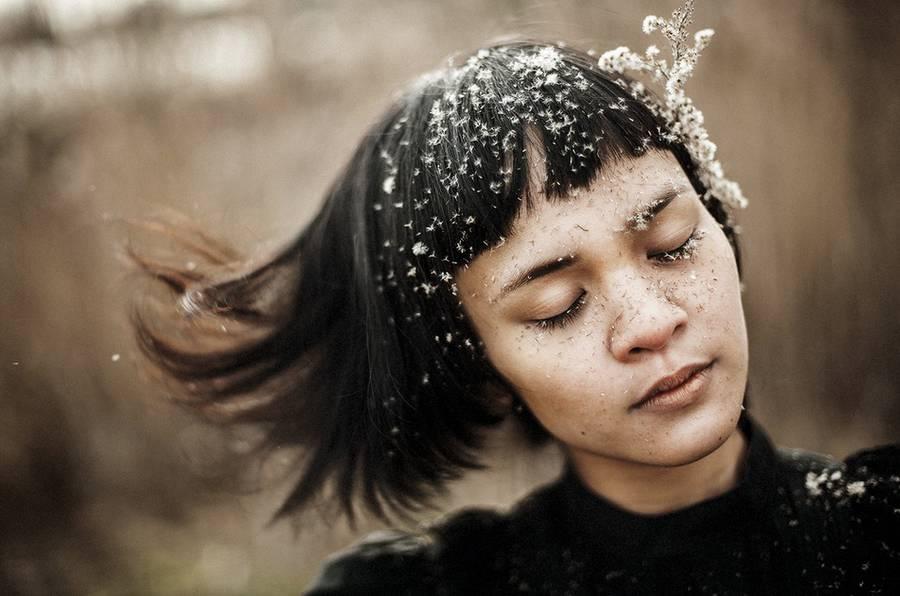 ritratti-fotografie-donne-eteree-ines-rehberger-09