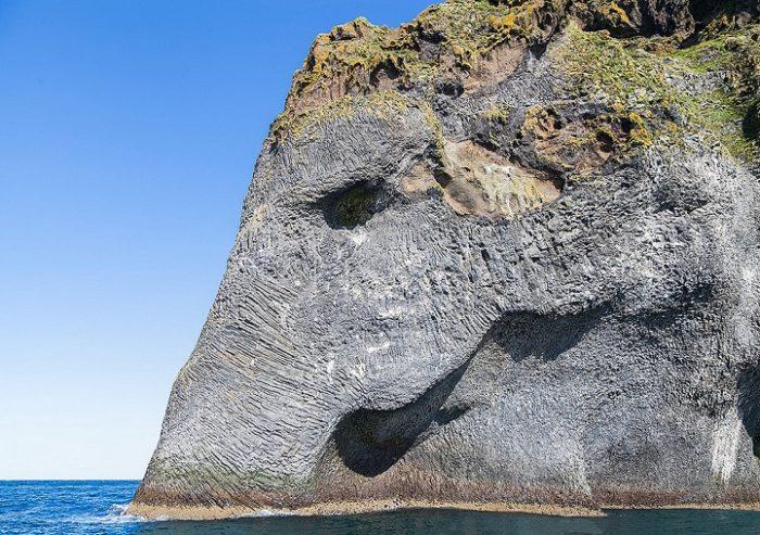 roccia-sembra-elefante-heimaey-islanda-1