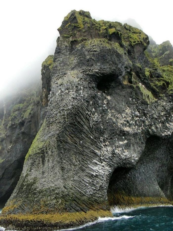 roccia-sembra-elefante-heimaey-islanda-3