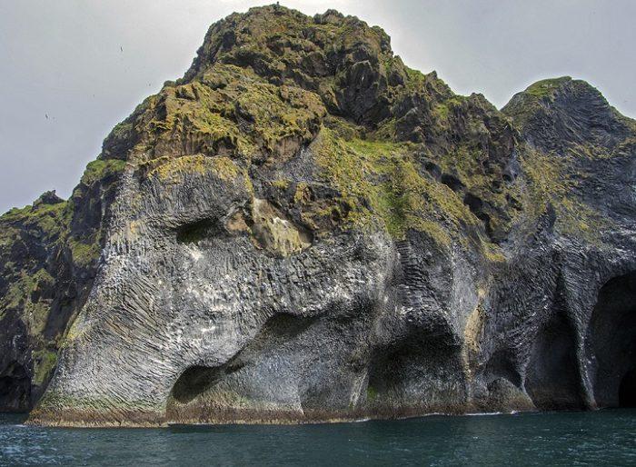 roccia-sembra-elefante-heimaey-islanda-4