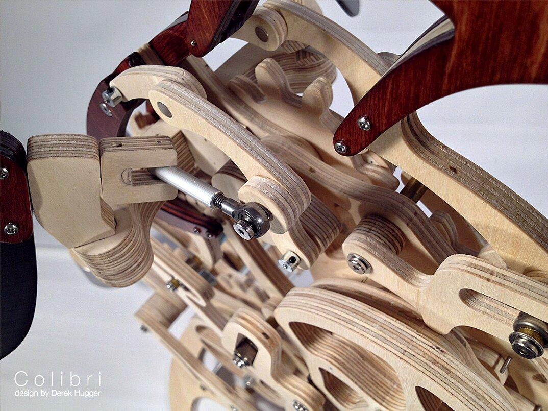 scultura-cinetica-movimento-meccanico-colibri-derek-hugger-2