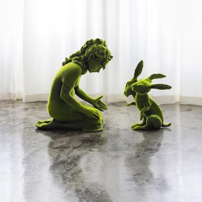 sculture-ceramica-muschio-moss-people-kim-simonsson-3