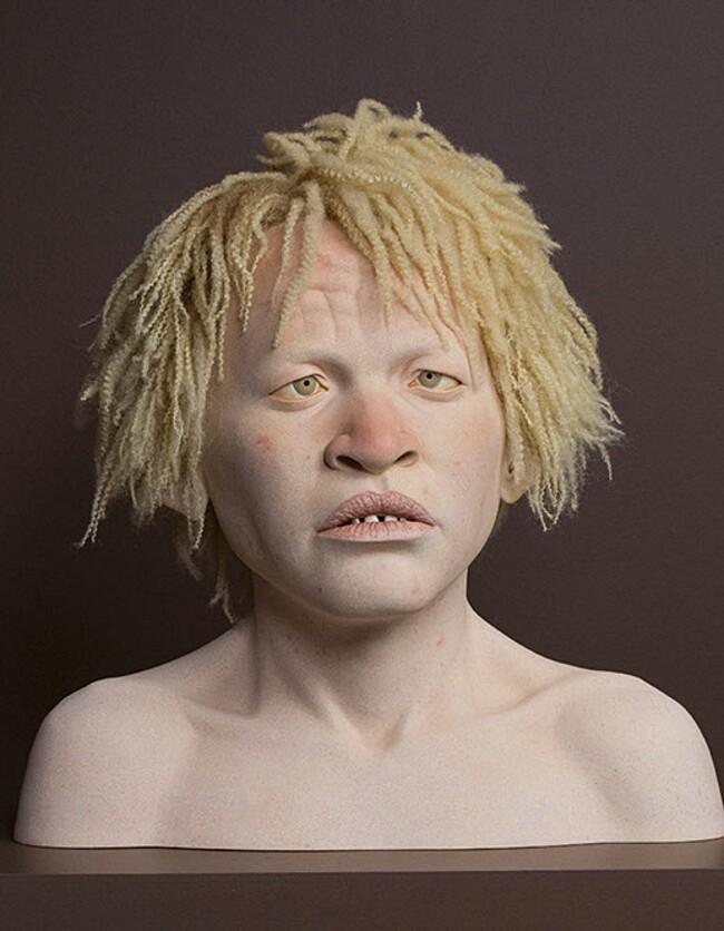sculture-iperrealiste-bambini-albini-tanzania-tip-toland-7
