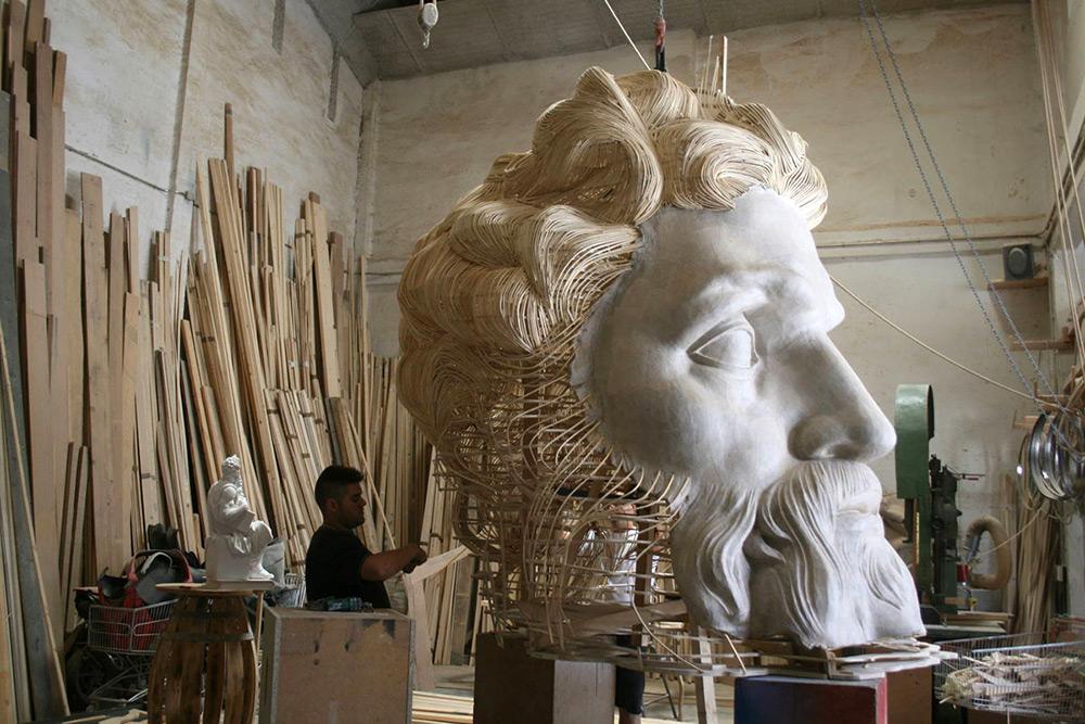 sculture-legno-giganti-manolo-garcia-las-fallas-01