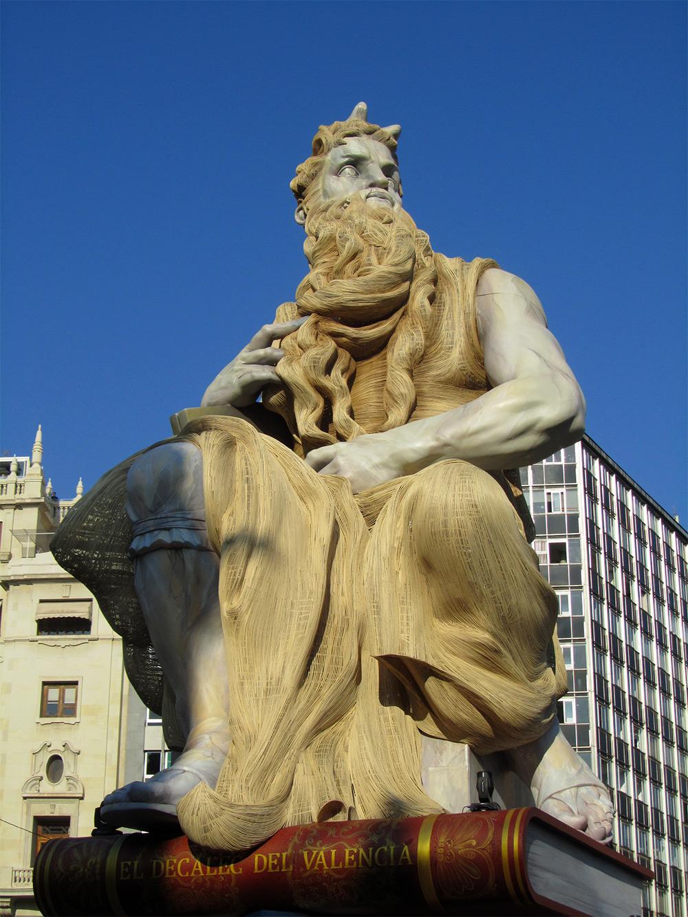 sculture-legno-giganti-manolo-garcia-las-fallas-05