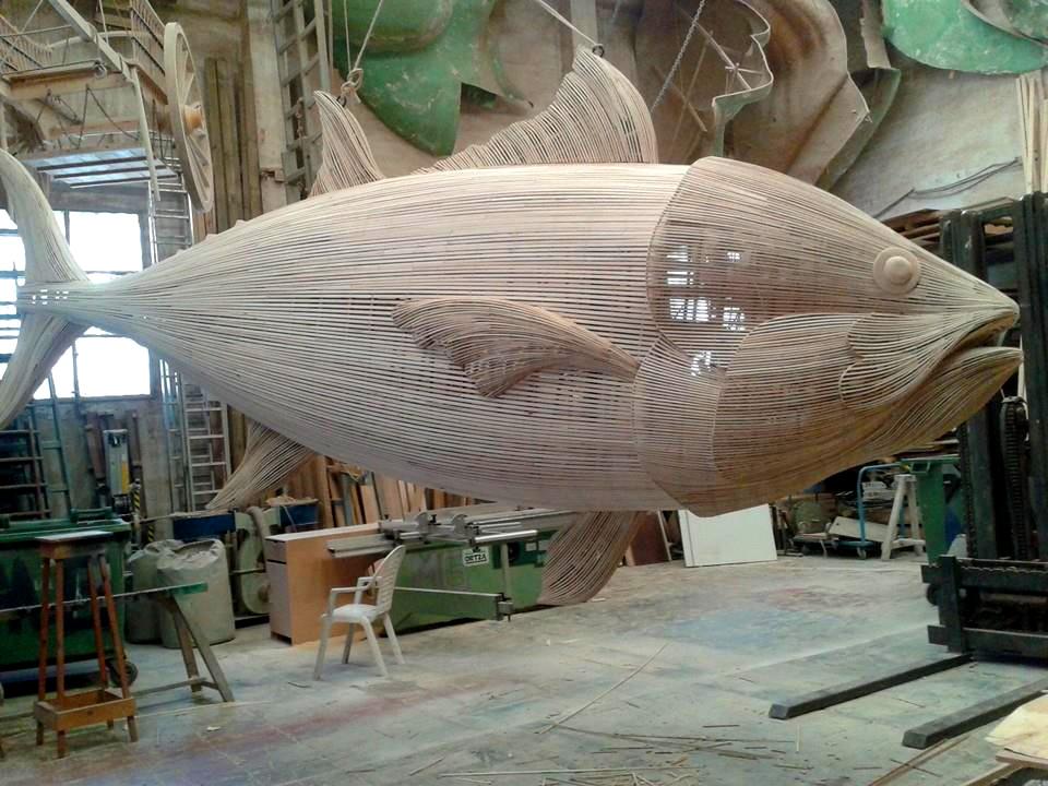 sculture-legno-giganti-manolo-garcia-las-fallas-08