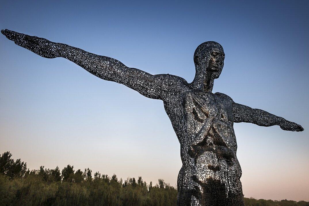 sculture-metallo-ideogrammi-cinesi-letteratura-zheng-lu-10
