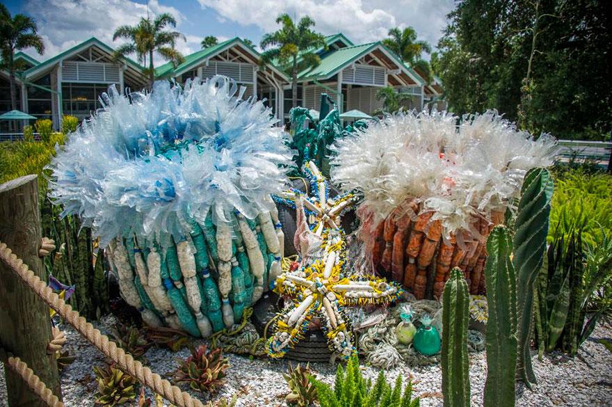 sculture-plastica-riciclata-rifiuti-spazzatura-spiagge-washed-ashore-05