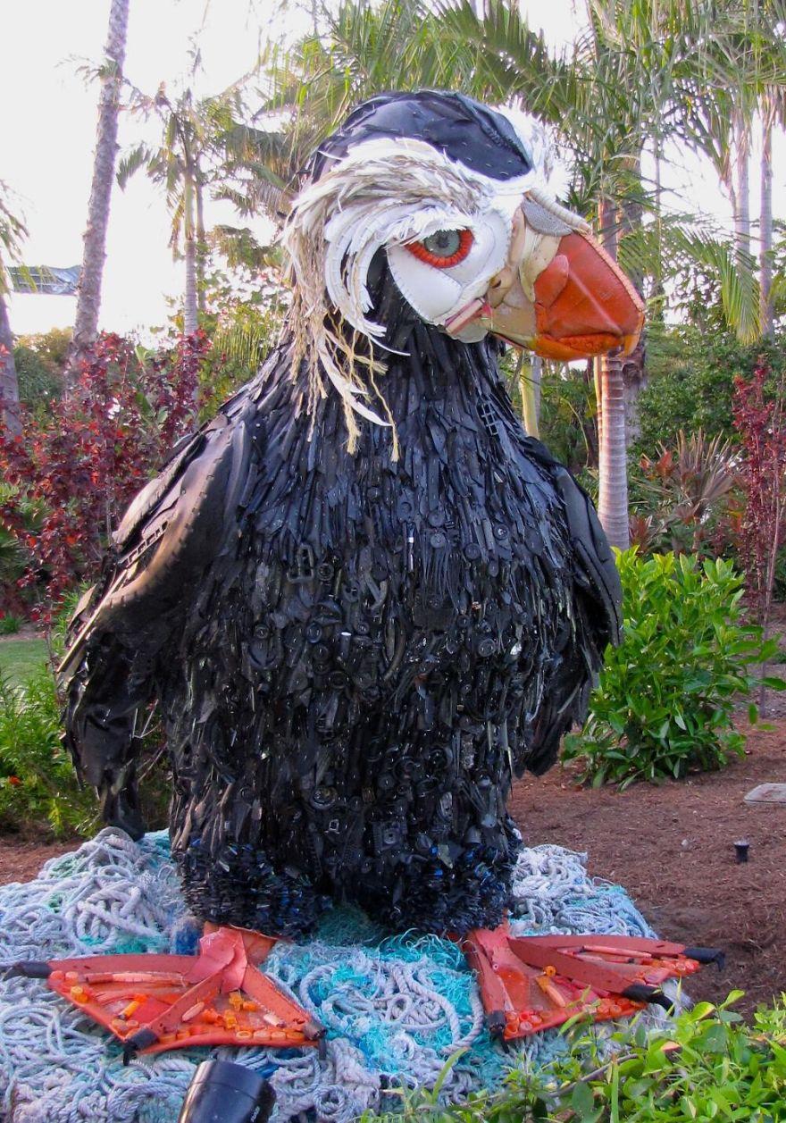 sculture-plastica-riciclata-rifiuti-spazzatura-spiagge-washed-ashore-13
