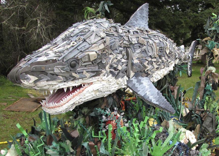 sculture-plastica-riciclata-rifiuti-spazzatura-spiagge-washed-ashore-14