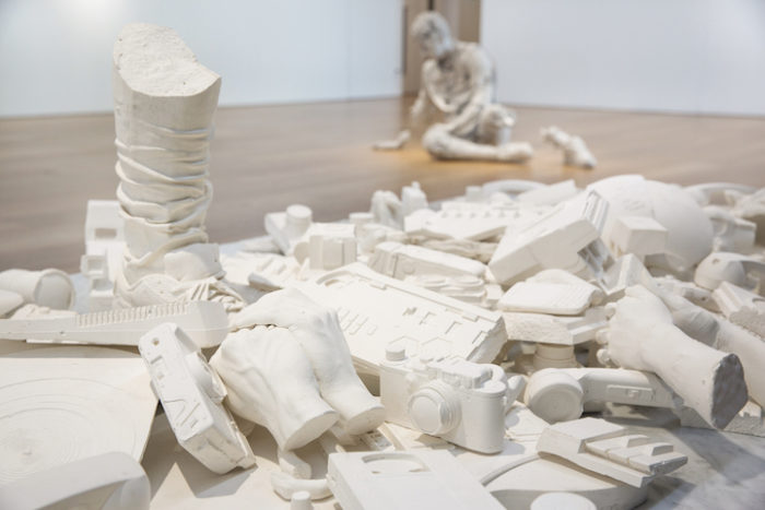 sculture-reperti-archeologici-futuro-fictional-archeology-daniel-arsham-02