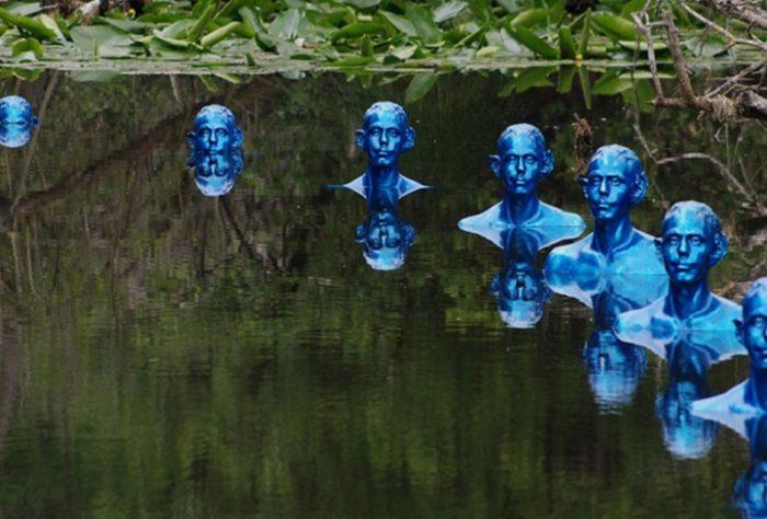 sculture-uomini-blu-cambiamenti-climatici-arte-pedro-marzorati-03