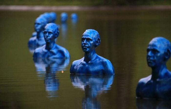 sculture-uomini-blu-cambiamenti-climatici-arte-pedro-marzorati-05