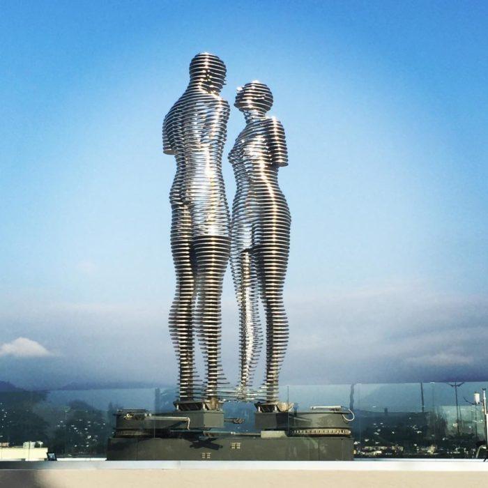 statue-uomo-donna-storia-amore-ali-nino-tamara-kvesitadze-georgia-1