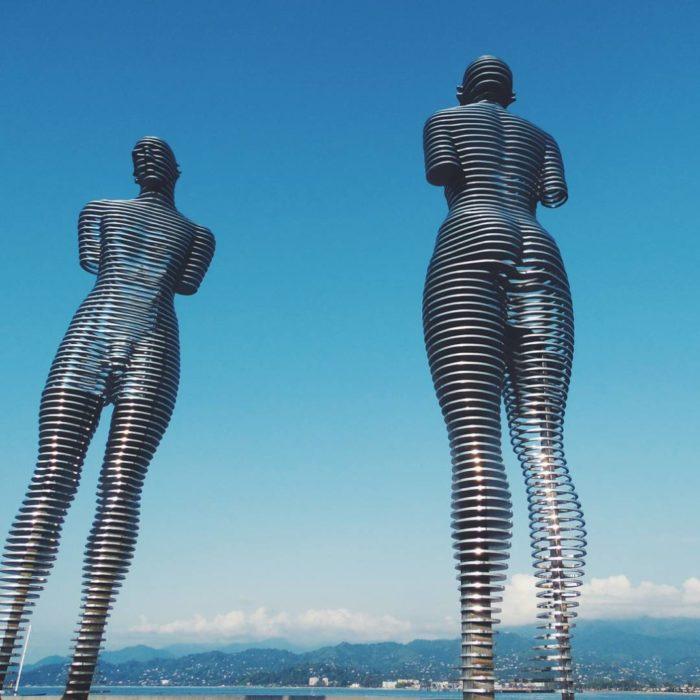 statue-uomo-donna-storia-amore-ali-nino-tamara-kvesitadze-georgia-3