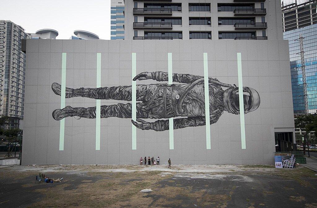street-art-astronauta-between-the-lines-cyrcle-01