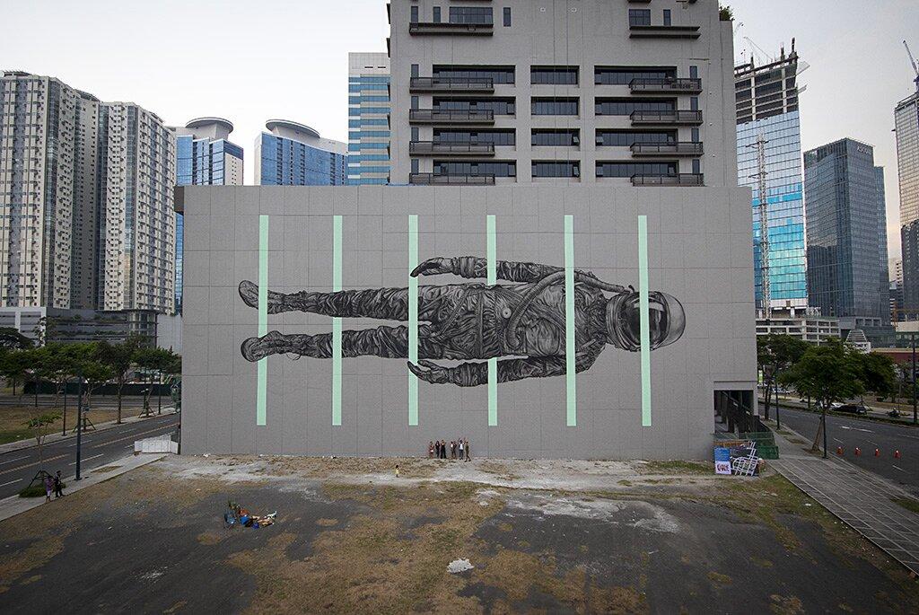 street-art-astronauta-between-the-lines-cyrcle-04
