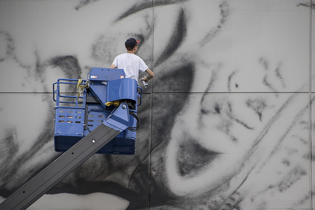 street-art-astronauta-between-the-lines-cyrcle-08