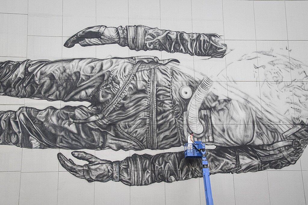 street-art-astronauta-between-the-lines-cyrcle-10