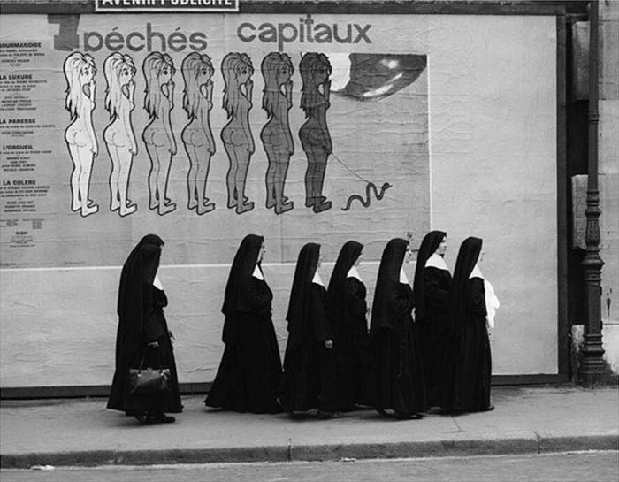 street-photography-divertente-bianco-e-nero-rene-maltete-02