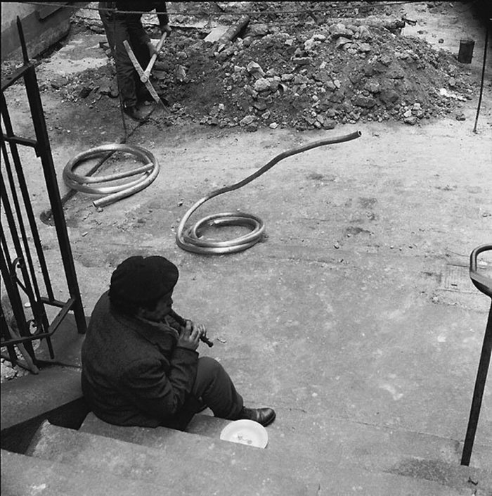 street-photography-divertente-bianco-e-nero-rene-maltete-10