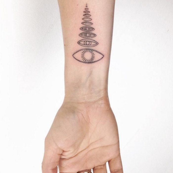 tatuaggi-minimalisti-mistici-astrologia-tatiana-kartomten-01