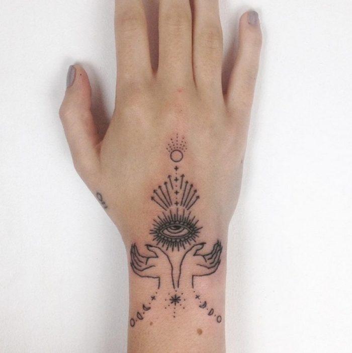 tatuaggi-minimalisti-mistici-astrologia-tatiana-kartomten-15
