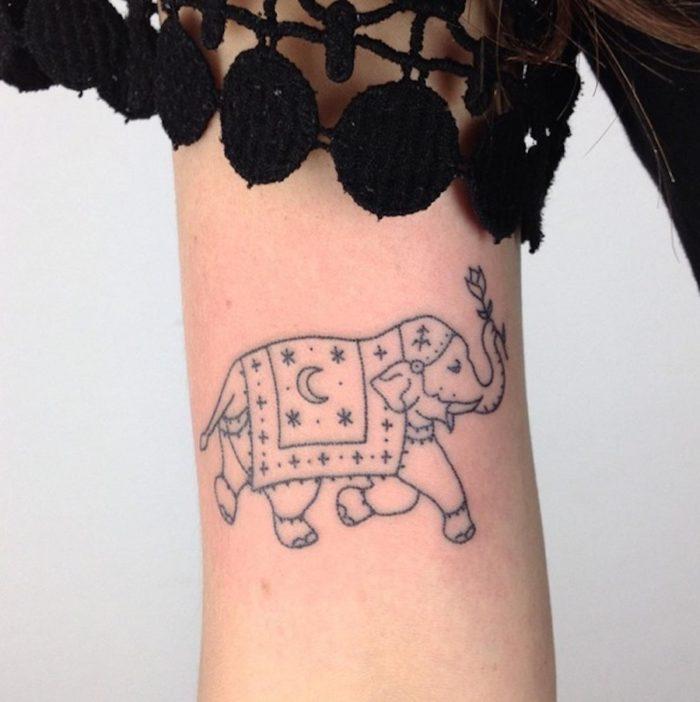 tatuaggi-minimalisti-mistici-astrologia-tatiana-kartomten-23