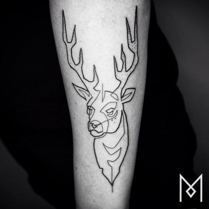 tatuaggi-minimalisti-una-linea-mo-ganji-05