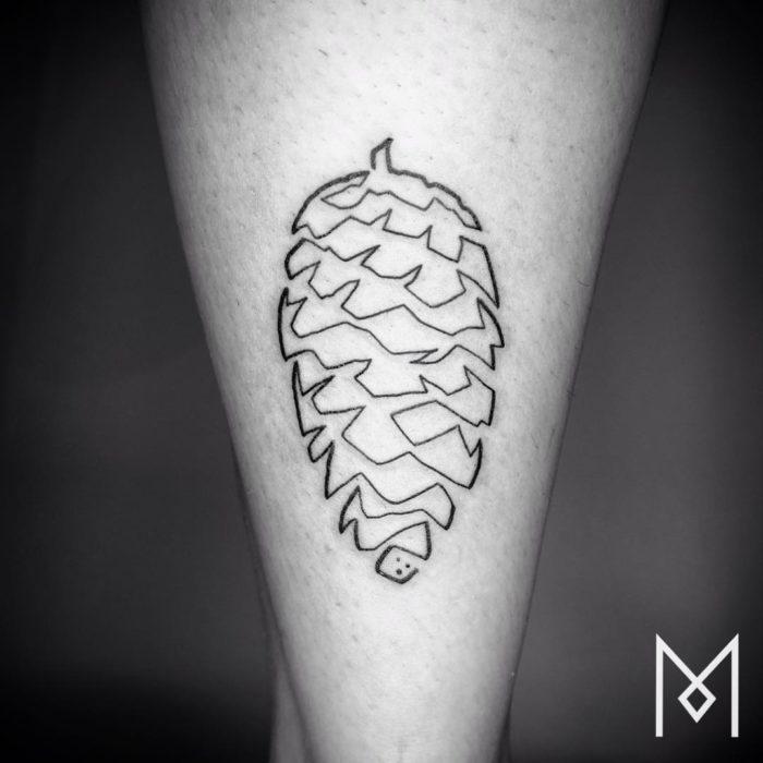 tatuaggi-minimalisti-una-linea-mo-ganji-07