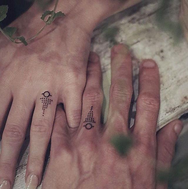 tatuaggi-onorano-promessa-matrimonio-coppie-01