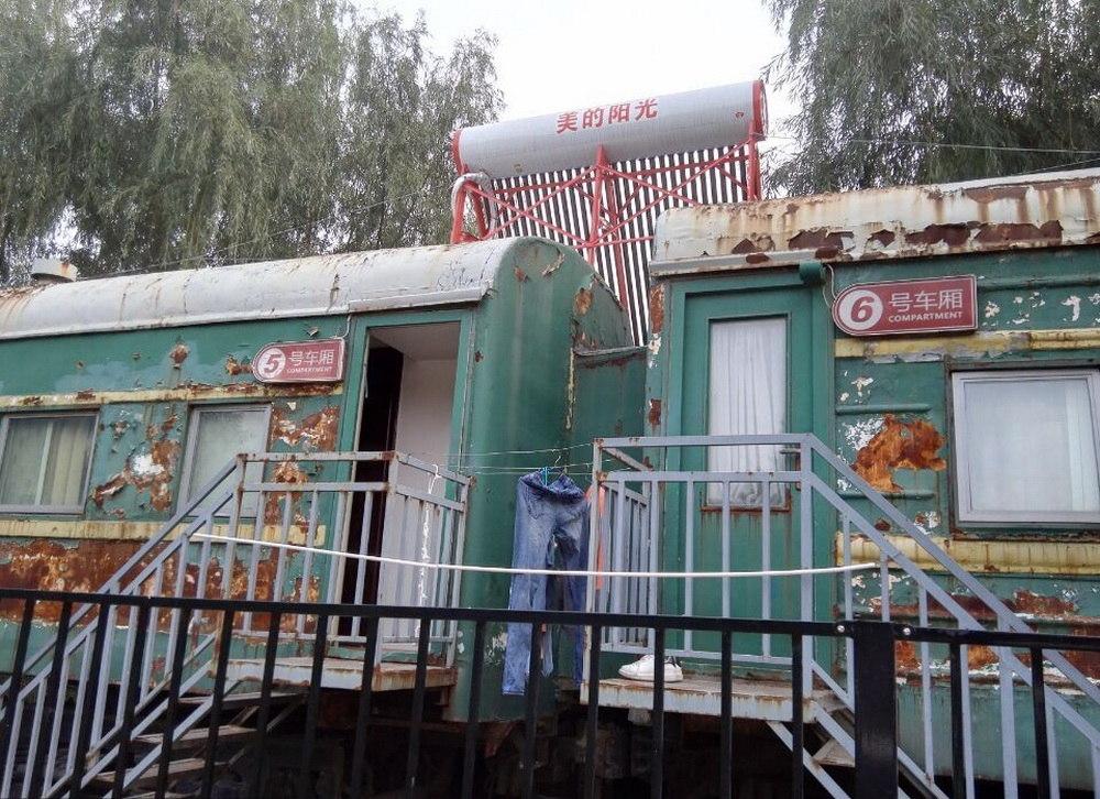 treno-abbandonato-casa-studenti-dormitorio-cina-zhengzhou-1