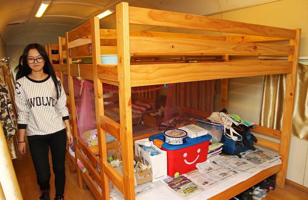 treno-abbandonato-casa-studenti-dormitorio-cina-zhengzhou-2